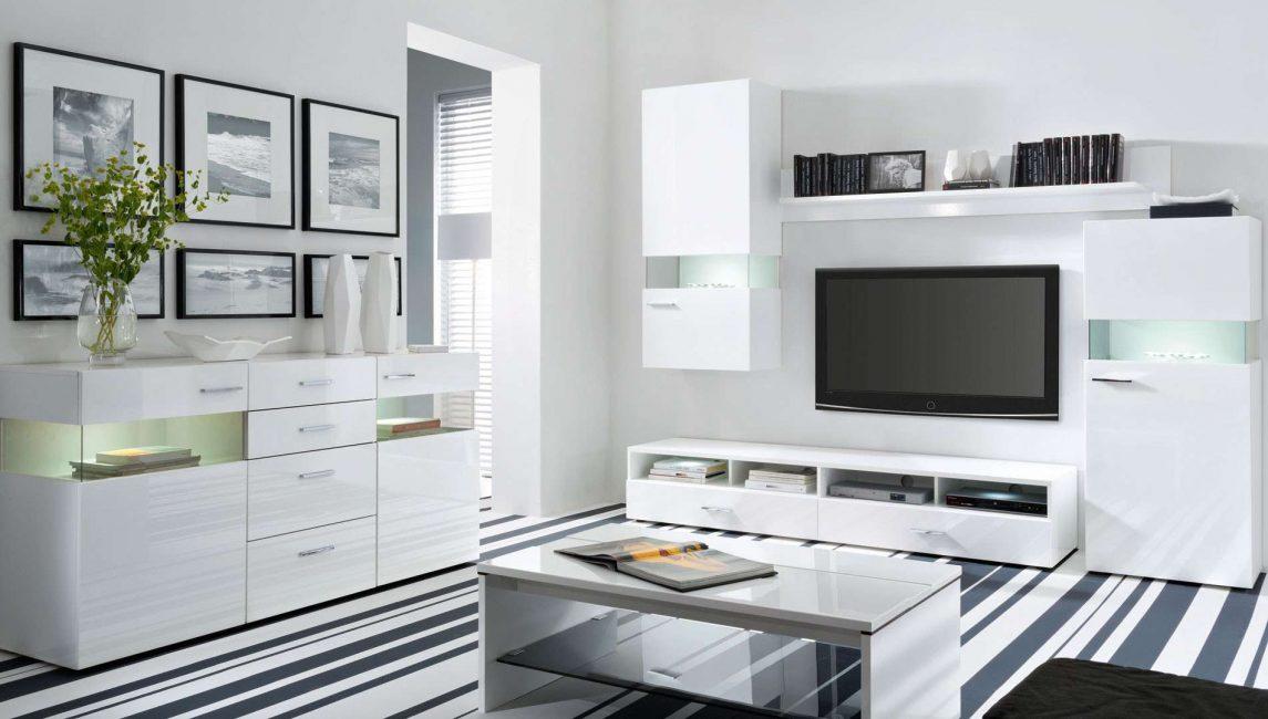 Мебель должна иметь прочную поверхность