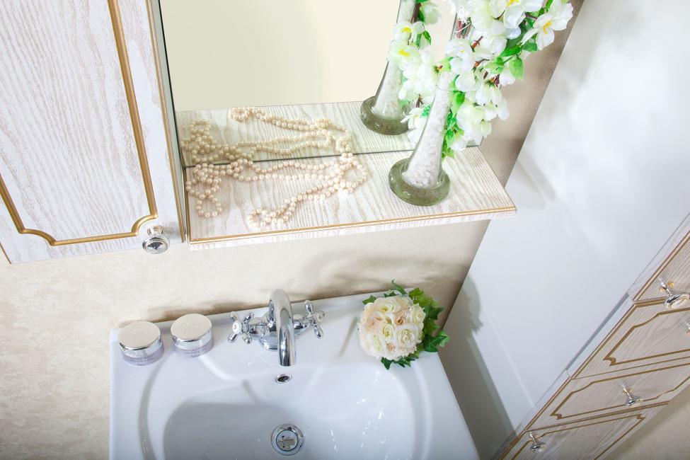 Немного добавления золота в ванной комнате