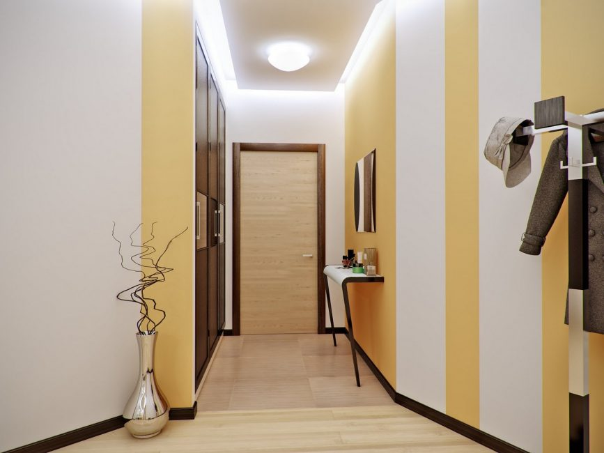 В узком коридоре - узкий плинтус