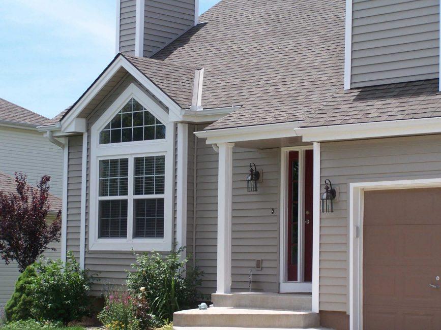 Светлые цвета делают дом визуально большим