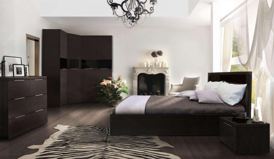 В спальнях с венге есть много традиционных и современных деталей