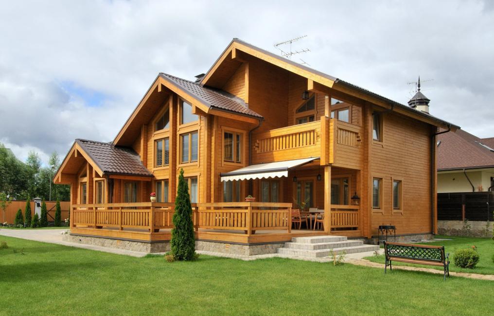 Здание из деревянного сруба