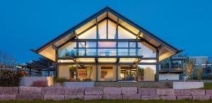 Фронтоны домов: Отделка и Обшивка. Как сделать лучше? (150+ Фото)