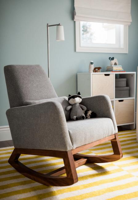 Такое кресло удобно в детской комнате