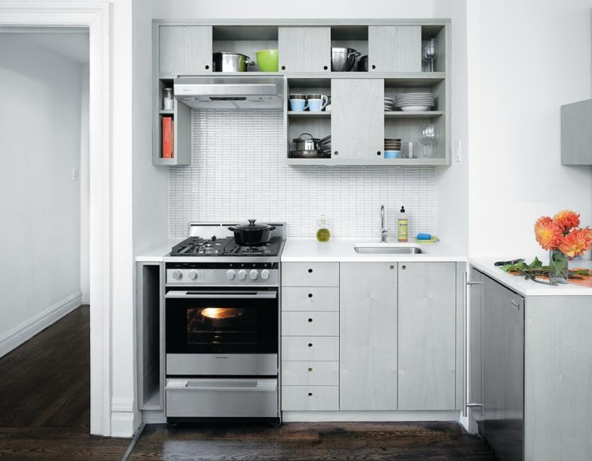 Встроенная кухня 6 кв.
