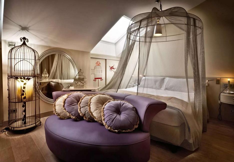 Вариант кровати с прозрачным балдахином