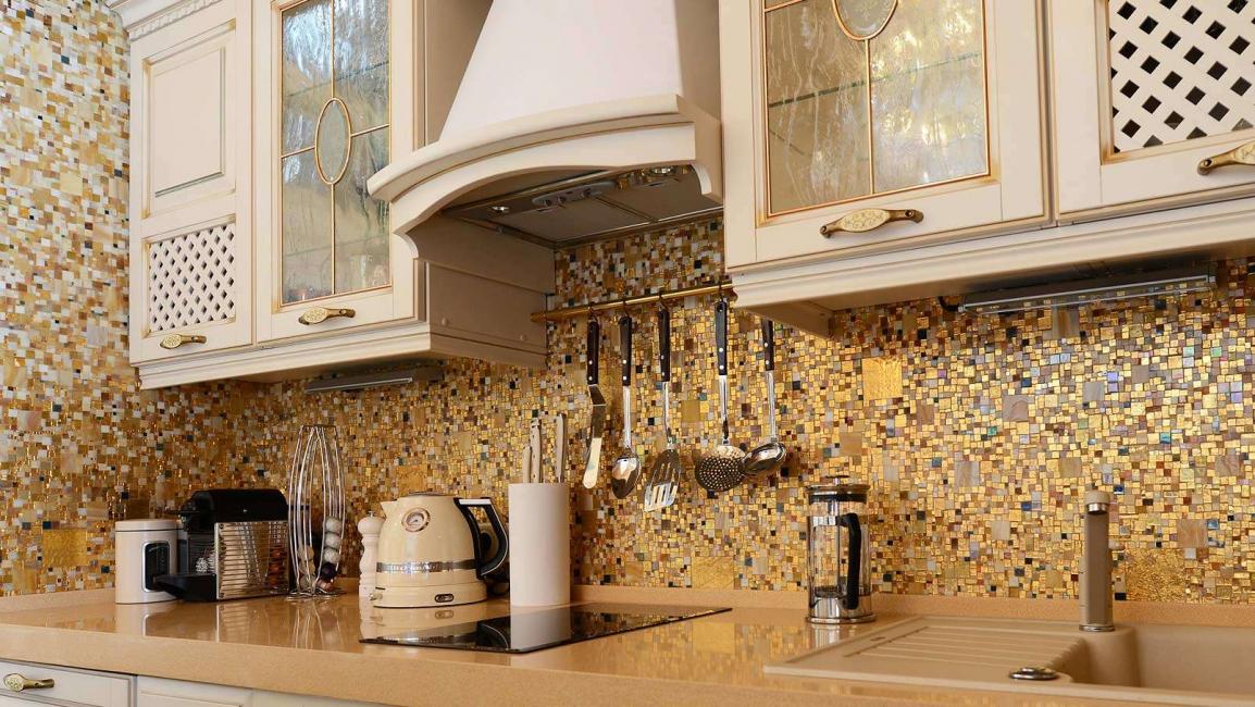 Использование золотой мозаики