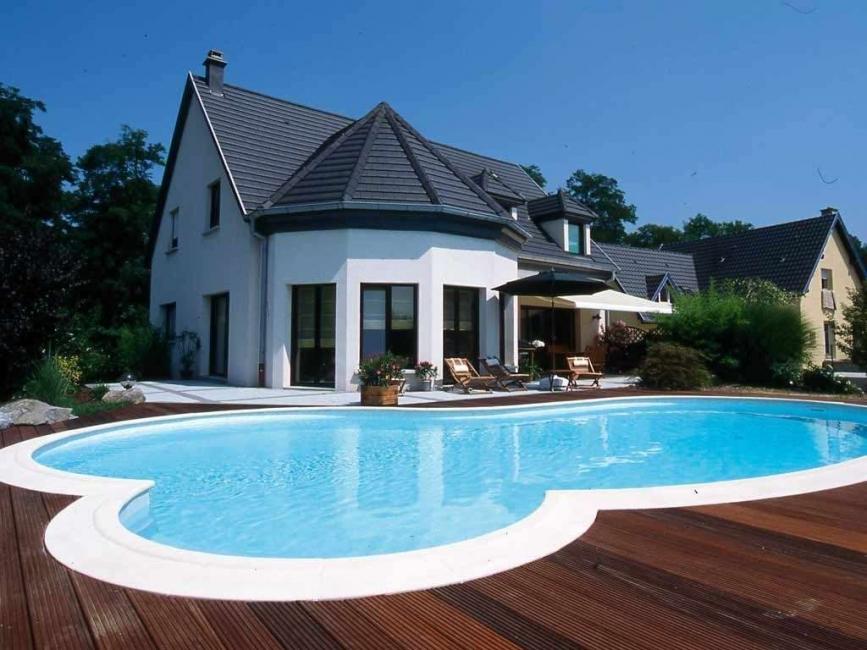 Для строительства бассейна нельзя переоборудовать фундамент под дом