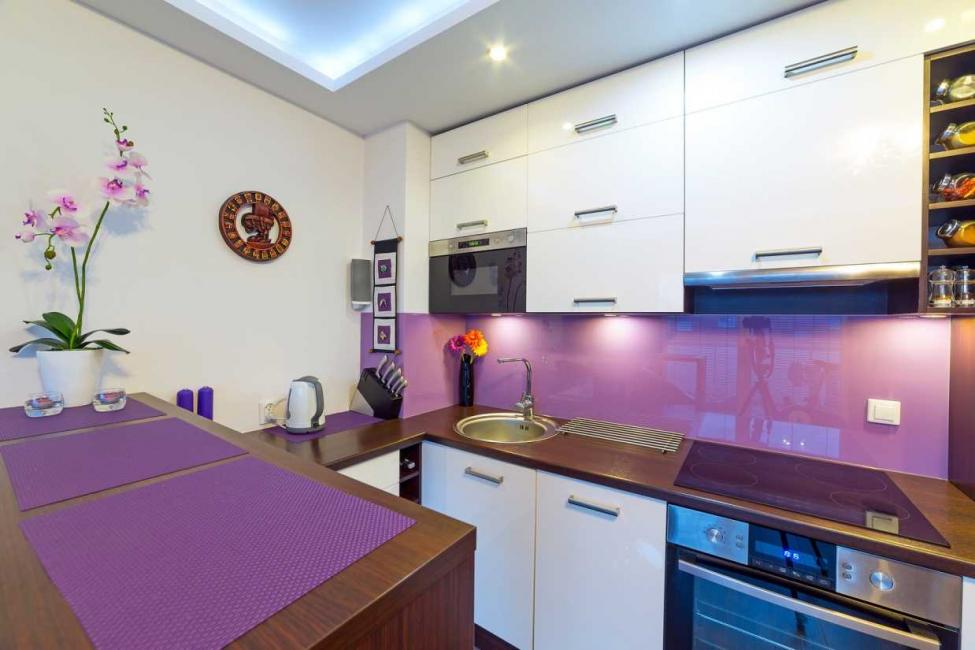 Классическое сочетание фиолетового с белым