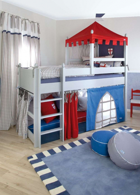 Такие кровати значительно экономят место