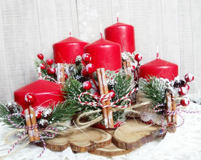 Свечи гармонично будут смотреться на Новый год
