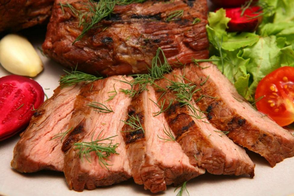 Про мясо нужно помнить - оно должно быть у всех