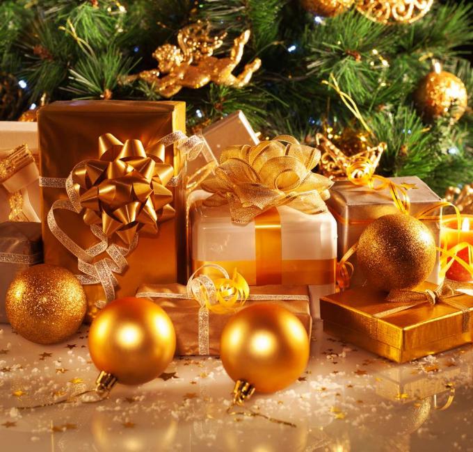Золотой - главный цвет этого года