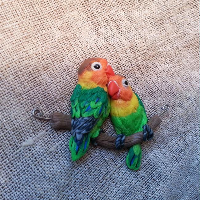 Нежные попугаи-неразлучники из полимера