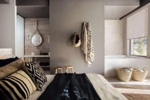 Гобелен в интерьере: Элегантное сочетание со стилями, идеи оформления (100+Фото). Как создать уютный дизайн своими руками? (шторы, покрывала, картины)