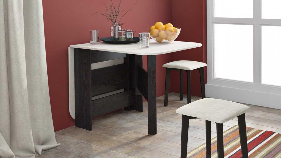 Очень удобно использовать столик, который раскладывается при необходимости