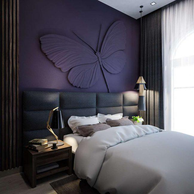 Барельефные изображения в интерьере спальни