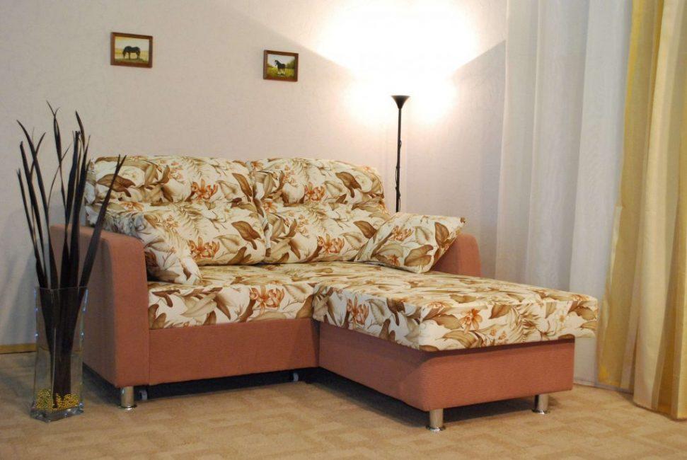 Угловые малогабаритные диваны — практичное решение для маленькой квартиры