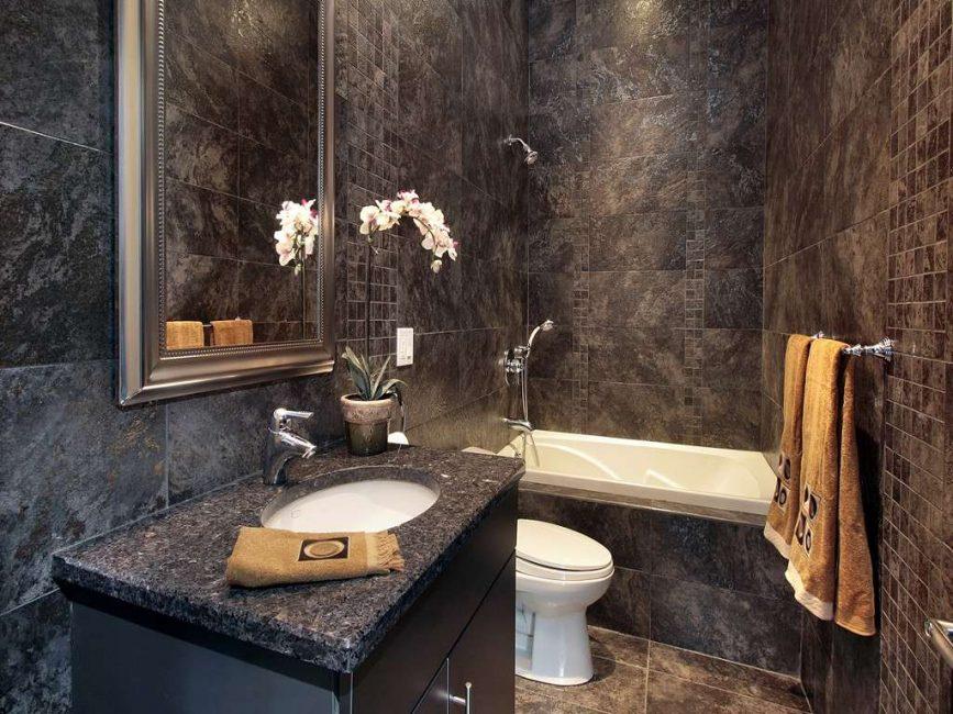 Темный дизайн ванной комнаты