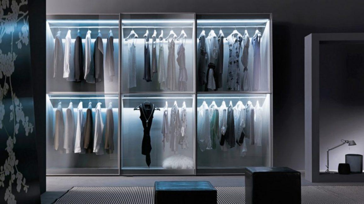 Прозрачный шкаф-купе