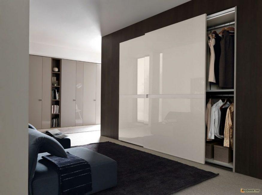 Встроенный шкаф - это экономия места и средств