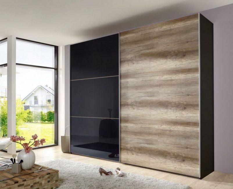Качественный шкаф из дорогих материалов
