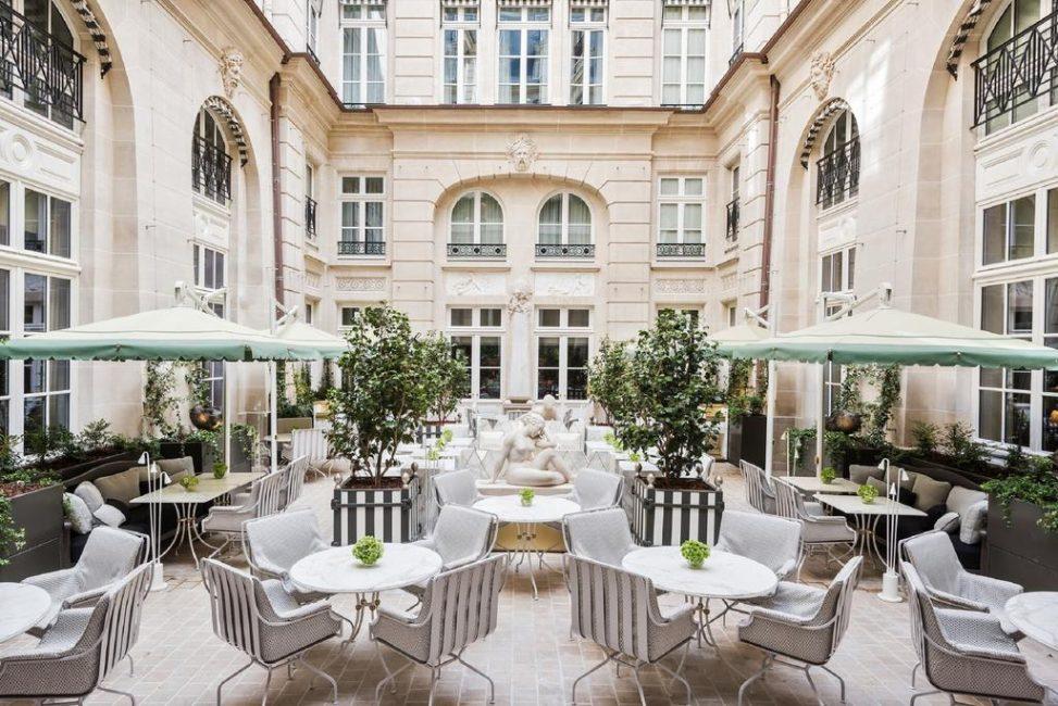 Тот самый знаменитый дворик, предназначенный исключительно для гостей отеля