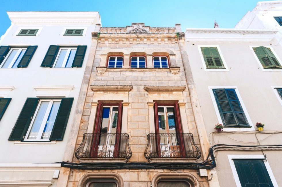 А это не просто жилой дом, а целый отель Casa Telmo in Menorca, который находится на острове Менорка в Испании