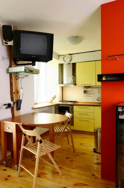 Складная мебель — еще один вариант экономии пространства