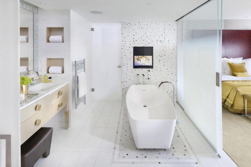 Белоснежная ванная всегда сверкает чистотой
