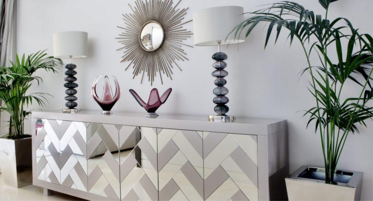 Уникальные детали и декор прекрасно сочетаются между собой и дополняют интерьер, делая его завершенным