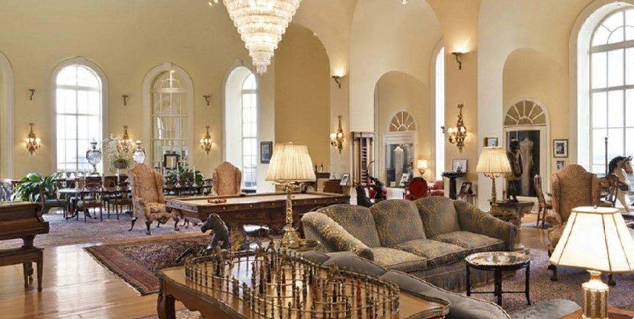 Дорогая отделка, шикарная мебель, позолота и великолепие