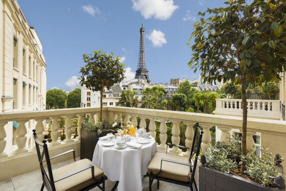 Что скажете о таком завтраке в компании самого романтичного Чуда света?