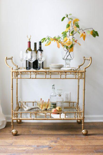 Осенняя композиция с вином