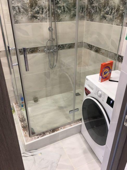 Вот так выглядит ванная комната после ремонта, который полностью сделали своими руками