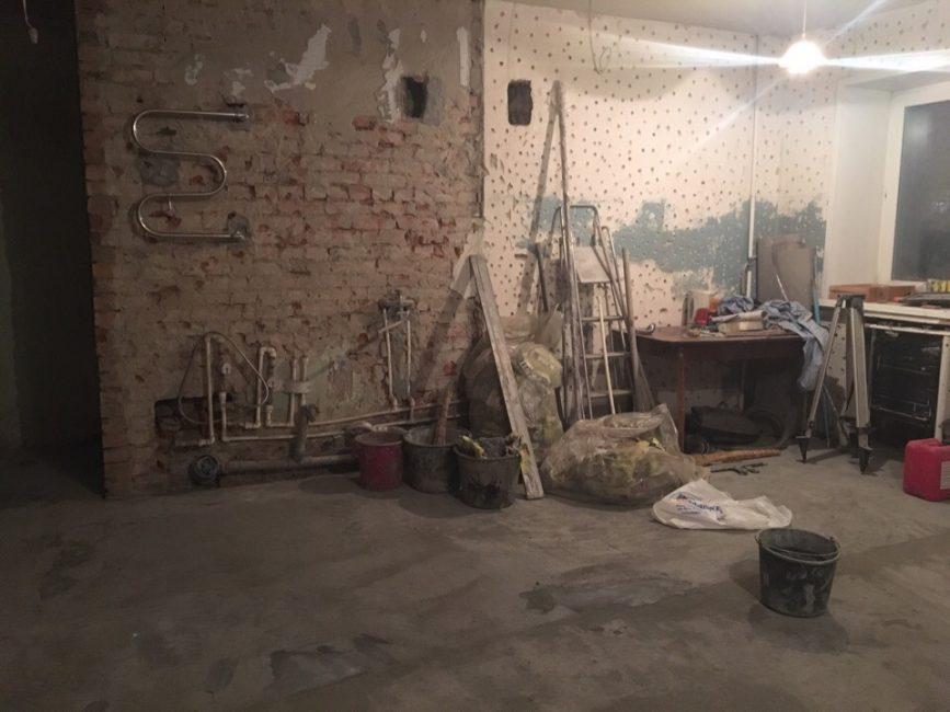 До ремонта квартира была не в самом лучшем состоянии, поэтому ломать стены было совсем не жалко.