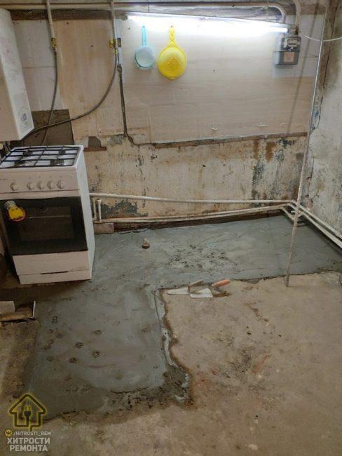 После того как вынесли строительный мусор, залили и выровняли полы