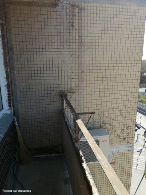 До ремонта лоджия даже не была застеклена. Эта площадь практически не использовалась хозяевами квартиры