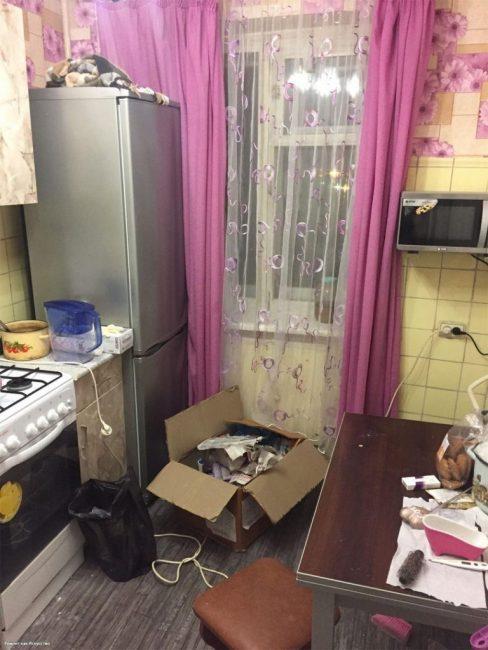 Перед ремонтом в кухне царил полнейший хаос. Все просто кричало о том, что пора браться за дело