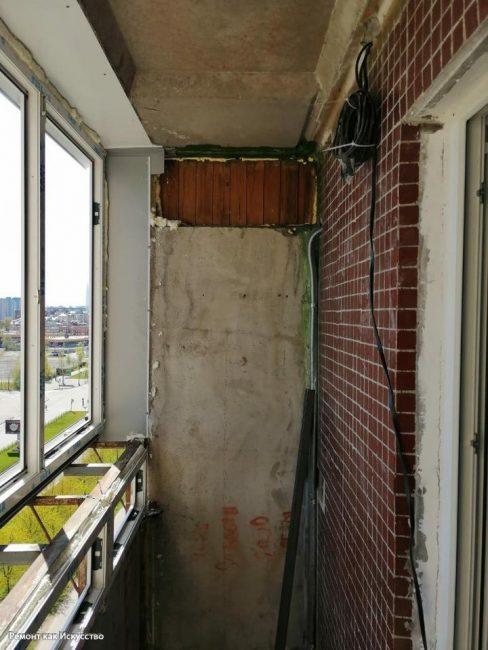 Поэтому первым делом муж решил застеклить балкон, установив на нем пластиковые окна