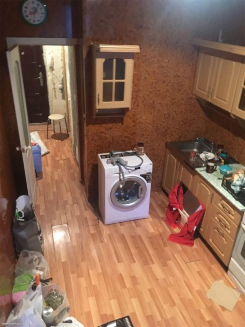 Вся кухня выглядела как большое рыжее пятно