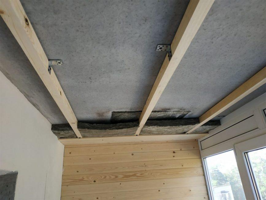 Потолок сделали по тому же принципу, что и пол