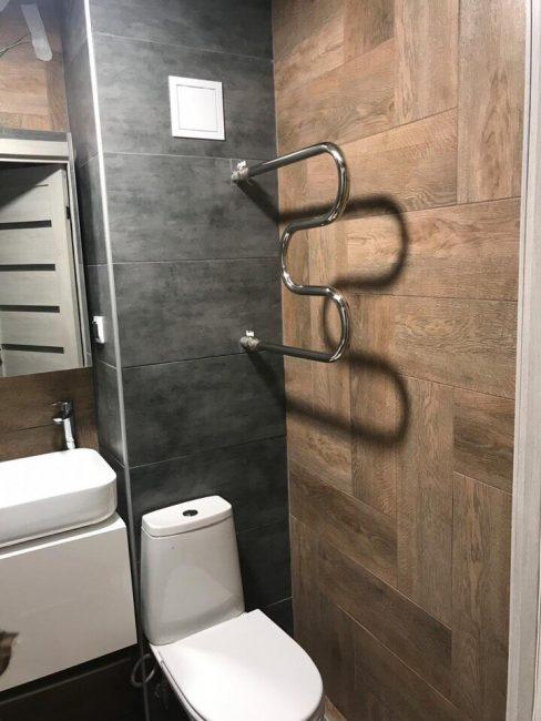 Места в ванной комнате немного, поэтому вся сантехника расположена компактно