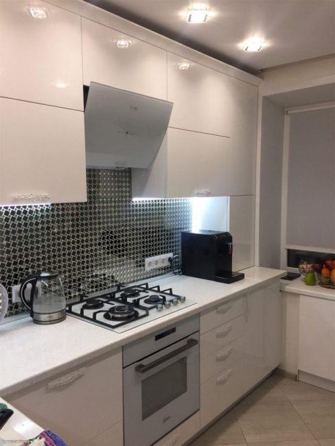 В целом кухня получилась очень светлой и просторной