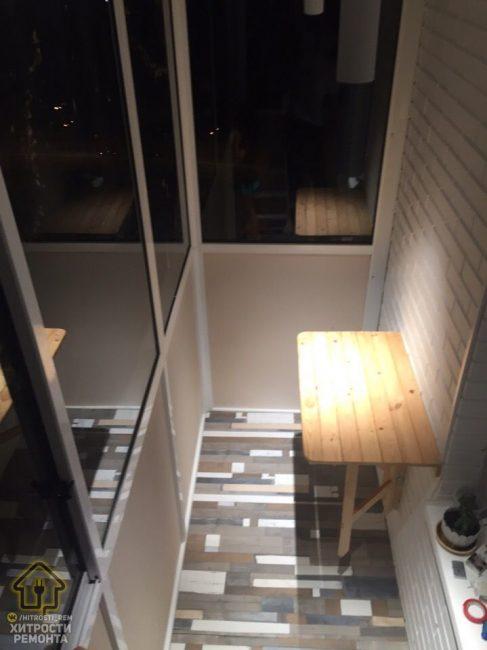 Теперь в ночное время на балконе достаточно светло
