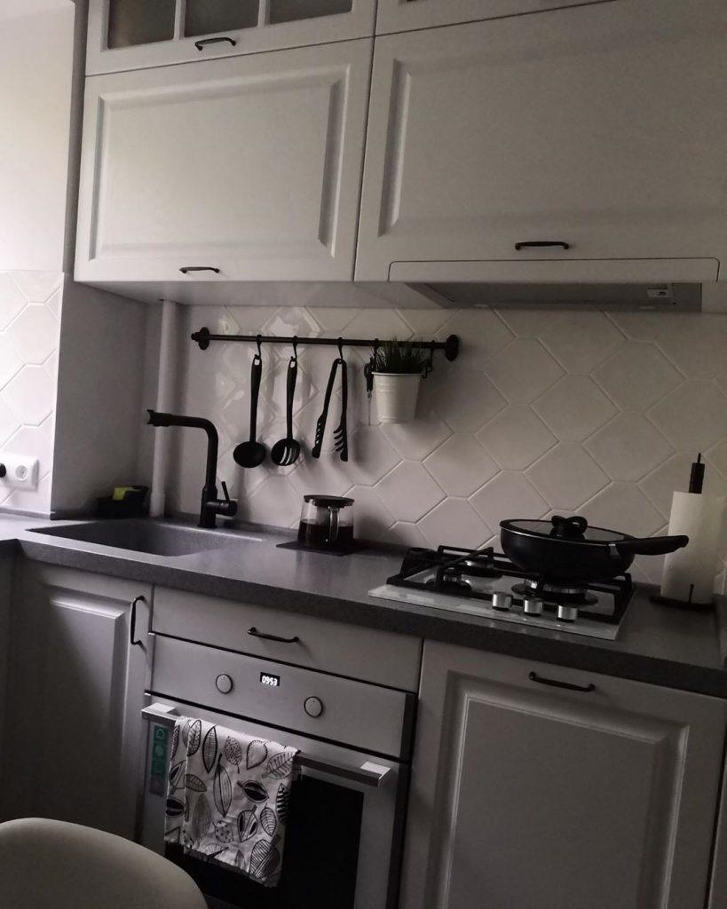Наконец-то все влезло: парень сделал компактный ремонт на кухне 5,5 кв.м. Много ФОТО