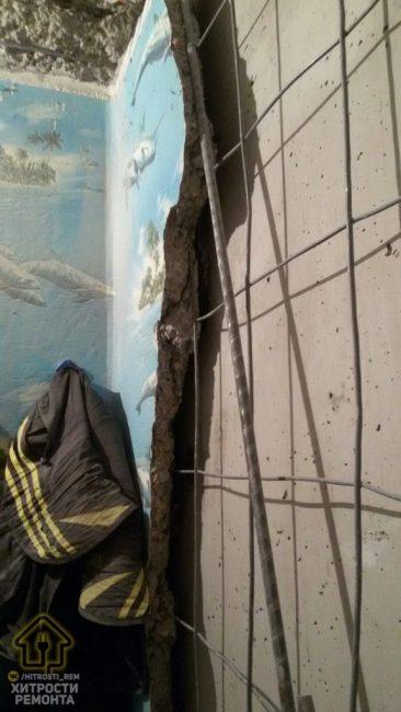 Стены были в ужасном состоянии и требовали капитального ремонта. Поэтому работы затянулись.
