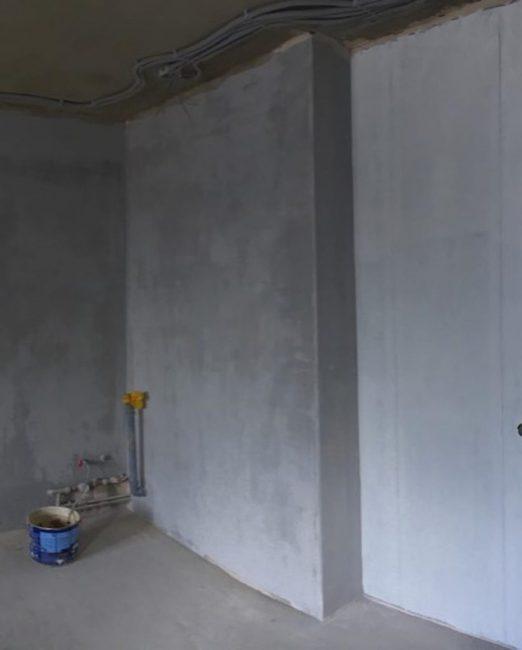Ровные стены, пол и потолок обеспечат легкую отделку, которая будет служить вам не одно десятилетие. Поэтому этим не нужно пренебрегать.