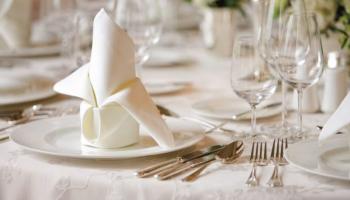 Сервировка праздничного стола (+280 Фото) в домашних условиях: Технология и правила организации красивых застолий