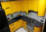 Практичная кухня «канарейка» в хрущевке на минимальной площади